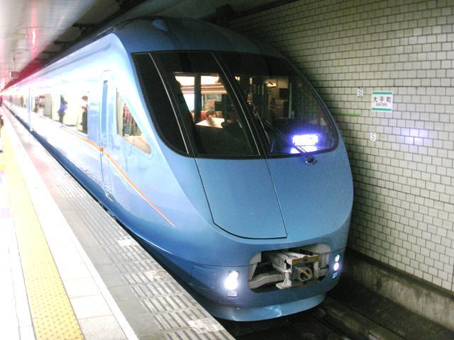 Car080329